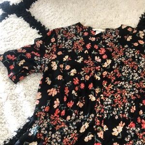 H&M Dresses - H&M Floral Button Down Dress